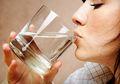 Usai Olah Raga Lebih Baik Minum Air Dingin atau Air Hangat?