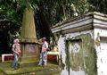 Riwayat Obelisk Termegah di Permakaman Kebun Raya Bogor