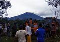 Gunung Agung Meletus, 43 Ribu Jiwa Mengungsi