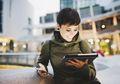3 Ciri Khas 'Konyol' Ibu Generasi Millenial di Media Sosial