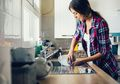Awas, Dianggap Bersih Ternyata Peralatan Dapur Ini Menyimpan Bakteri loh, Yuk Segera Dicuci!