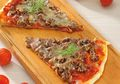 Seru Banget Kalau Makan Malam Nanti Menunya Pizza American Favorite Buatan Sendiri!