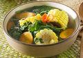 Santap Malam Sederhana Kaya Vitamin dengan Semangkuk Sayur Bening Bayam