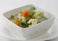Untuk Membuat Sup Bening Kembang Kol Sedap Ini, Cuma Butuh 4 Langkah Saja!