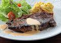 Buat Sendiri Steak Keju Kentang Panggang Untuk Dinner Romantis Bareng Pasangan