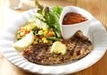 Buat Dinner Romantis di Rumah dengan Resep Butter Lemon Steak With Barbeque Sauce