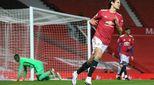 Ryan Giggs Desak Manchester United untuk Meniru Nasihat Sir Alex Ferguson soal Cavani