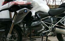 Tak Hanya Melindungi Motor Pas Jatuh, Crashbar dan Frame Slider Juga Dongkrak Tampilan