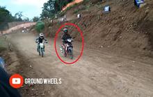 Viral! Bikers Honda Supra X Nyasar ke Trek Grasstrack, Padahal Lagi Pada Latihan