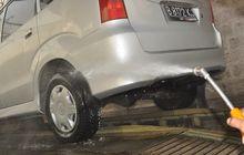 Waspada, Jangan Biarkan Air Hujan Menempel Lama Di Bodi Mobil