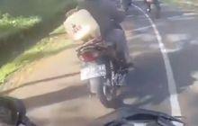Detik-Detik Honda Supra Bablas, Berani-Beraninya Nempel Moge Cornering
