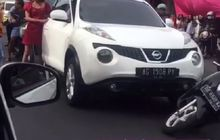 Nissan Juke Nyaris Lindas Scoopy, Pemilik Sama-sama Cewek, Netizen: Perang Dunia