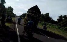 Fenomena 'Truk Oleng' Makan Korban, Pengendara Motor Dihantam Telak