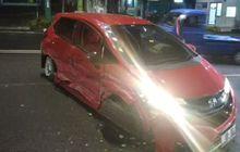 Honda Jazz Kencang Sambar Accord, Bodi Kanan Penyok, Pelek Depan Tiduran