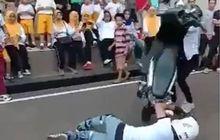 Freestyler Gagal Stoppie Kecup Pacar Malah Kecup Aspal, Ceweknya Jadi Dikecup Honda BeAT