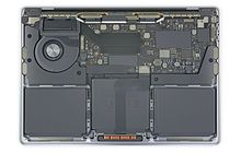 iFixit Bongkar MacBook Pro Touch Bar Entry Level, Apa yang Menarik?