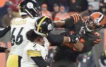 Brutal di NFL, Kepala Pemain Dipukul Pakai Helm!