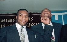 Alasan Mike Tyson Tak Pernah Duel Lawan George Foreman: Sama-sama Takut!