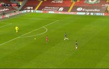 Reaksi Liverpool saat Peluang Sadio Mane Digagalkan Wasit, Juergen Klopp Teriak dan Thiago Alcantara Tutup Muka