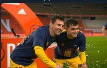 VIDEO - Lionel Messi Seleb Dadakan di Lapangan, Jadi Target Foto Bareng Teman Sendiri