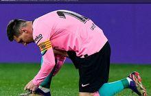 Lakukan Atraksi dengan Bola dan Es Batu, Messi Bikin Penonton Terkesan
