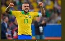 Olimpiade Tokyo 2020 - Dani Alves Si Raja Gelar Dunia Incar Trofi Ke-44, Lionel Messi Makin Jauh