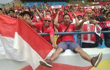 GALERI FOTO - Suporter Sambut Gemuruh Perjuangan Timnas Indonesia U-22 Lawan Thailand di SEA Games 2017