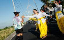 Maybank Bali Marathon 2018 - Pelari Disambut Tari-tarian