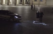 Canggih, Teknologi Mercedes-Benz Bisa Bikin Mobil Ngobrol Sama Pejalan Kaki