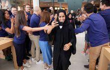 Suasana Meriah Pembukaan Resmi Toko Ritel Baru Apple di Dubai Mall