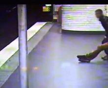 (Video) Aneh bin Ajaib, Setelah Mencopet Dompet Pencopet Ini Selamatkan Korbannya