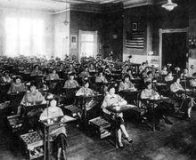 Kisah Tragis Para Pekerja Wanita yang Terpapar Radium, Satu Abad Jenazah Mereka Masih Bercahaya!