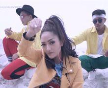 Video 'Lagu Syantik' Ditonton Lebih dari 100 Juta Kali di Youtube, Segini Penghasilan Siti Badriah!