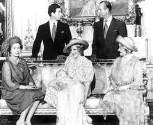 Deretan Foto Ini Buktikan Pangeran William Sudah Tampan Sejak Kecil
