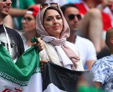 Foto-foto Cantik Moleknya Suporter Wanita Iran di Piala Dunia 2018 Setelah 37 Tahun Dilarang Nonton Bola