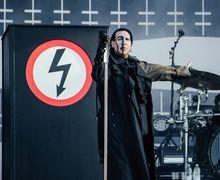 Marilyn Manson Minta Penggemar Lepas Kaos Avenged Sevenfold Yang Dipakai