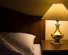Sering Ada di Kamar, Seberapa Penting Sih Kegunaan Lampu Tidur?