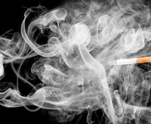 Istri Indro Warkop Meninggal: Mengapa Ada Perokok yang 'Lolos' dari Kanker Paru?