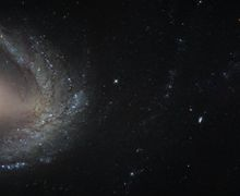 Galaksi Daud dan Goliat di Rasi Bintang Horologium