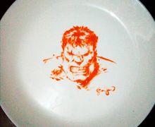 Menggambar Superhero Marvel dengan Saus Tomat, Seperti Apa Hasilnya?