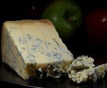 Warna Biru di Blue Cheese Ternyata Jamur, Sehat Dikonsumsi Tidak, ya?