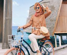 Model Topi untuk Hijabers ala Dian Pelangi  yang Cocok untuk Berlibur