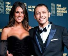 Digosipkan Segera Menikah, Akankah Model Italia Ini Jadi Pelabuhan Terakhir Hati Valentino Rossi?