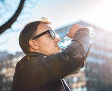 Cuaca Panas dan Terik, Cegah Dehidrasi dengan Cara-cara Berikut