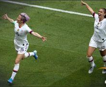 Rayakan Juara Piala Dunia Wanita 2019, Pemain Ini Justru 'Membuang' Bendera Amerika Serikat