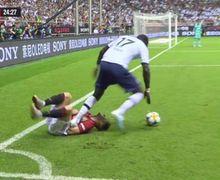 VIDEO - Detik-detik Dada Gelandang Manchester United Terinjak Moussa Sissoko di Laga Pramusim