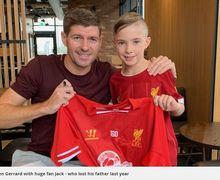 Aksi Heroik Steven Gerrard, Bertemu Anak dari Penggemar Beratnya yang Sudah Meninggal Akibat Depresi