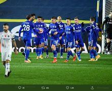 Hasil Liga Inggris - Bantai Leeds, Leicester Buntuti Liverpool