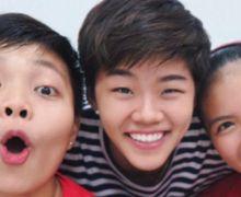 Bareng Greysia Polii, Jawara Ganda Campuran Thailand Nyanyikan Lagu Sheila On 7