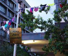 Protes Kekerasan Perempuan, Tiga Ribuan Celana Dalam Tergantung di Jalanan Afrika Selatan
